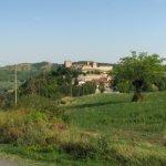 borgo autentico di montesegale castello patto di residenza giovani coppie