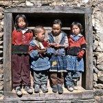 """banari, sassari, mostra """"gianluigi anedda. il nepal in 40 scatti"""" - ritratto di bambini"""