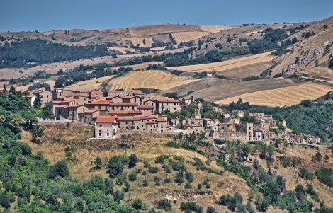 Accadia-Borgo-Autentico-dItalia
