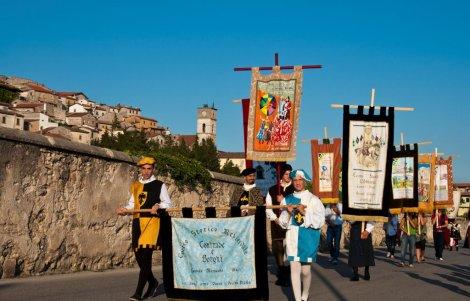 Scurcola-Marsicana-corteo-storico