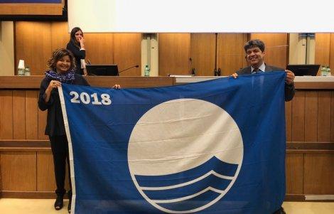 bandiere-blu-2018-i-sindaci-di-roseto-capo-spulico-e-salve