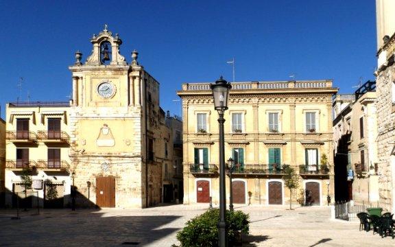 Piazza dei Martiri da sud, Acquaviva delle Fonti