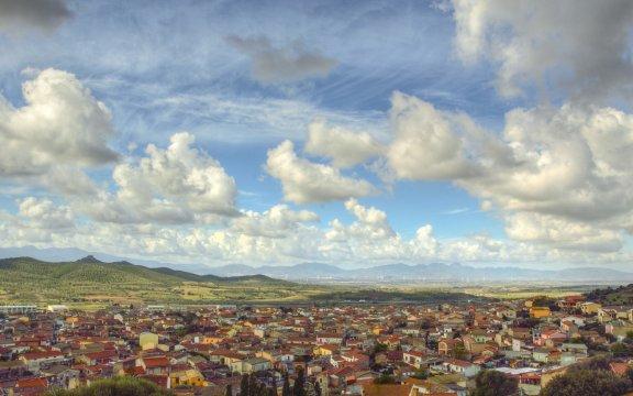 sardara panoramica con castello gabriella melis