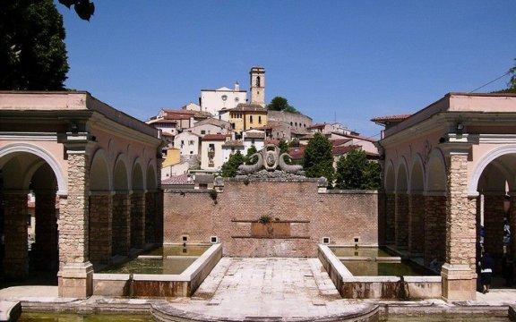 Goriano_Sicoli_fontana_monumentale