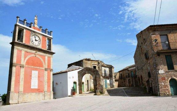Accadia-torre-dell-orologio-foto-DomenicoSergioAntonacci