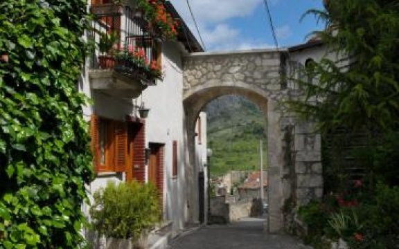 Aielli Porta Jannatella