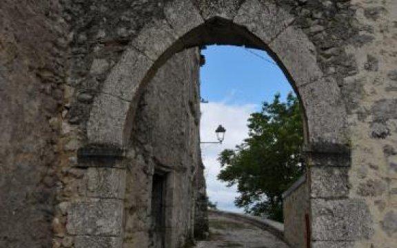 Aielli, Porta Montanara