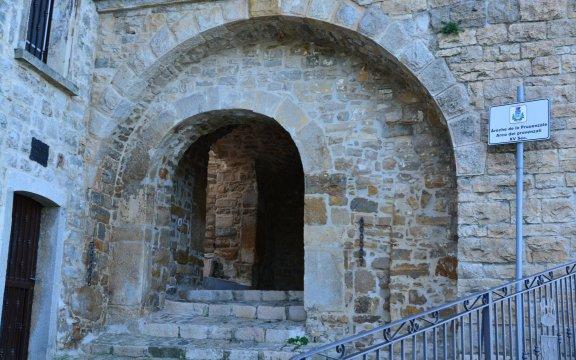 Arco-dei-Provenzali-Celle-di-San-Vito-AssociazioneBorghiAutenticidItalia