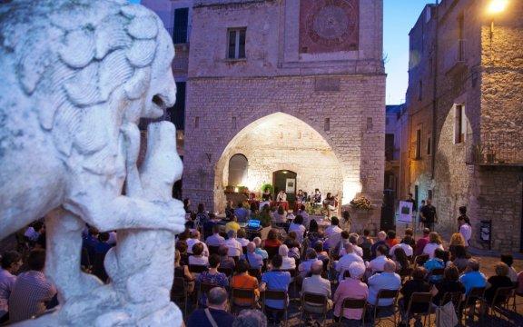 Bitetto-evento-culturale-presso-il-Sedile-medievale
