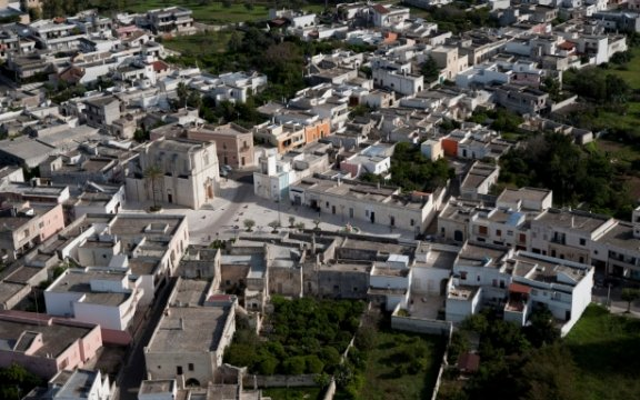 Borgagne-chiesa-madre-vista-dall'alto