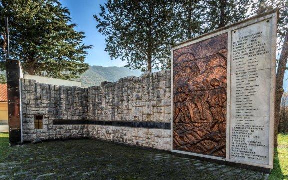Capistrello_muro_commemorativo