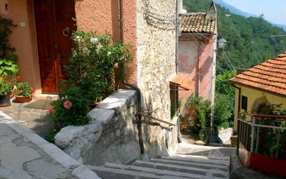 Capistrello-scorcio-borgo