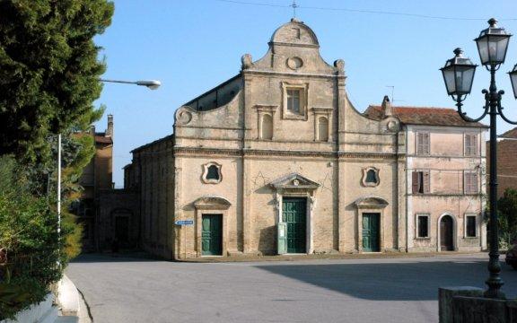 Carassai-Chiesa-Santa-Maria-del-Buon-Gesu'