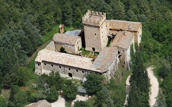 Carassai-Rocca-Montevarmine