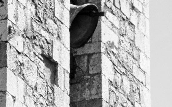 Carovilli-campanile-inpiazza