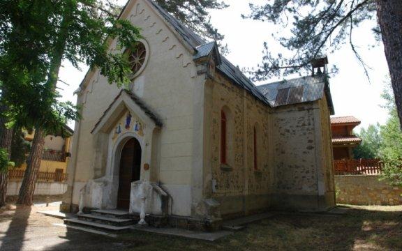Casali-del-Manco-Chiesa