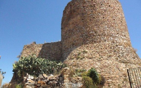 Castel-di-Lucio-torre-castello