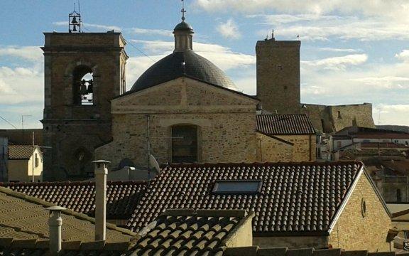Deliceto-castello-normanno-e-chiesa-madre
