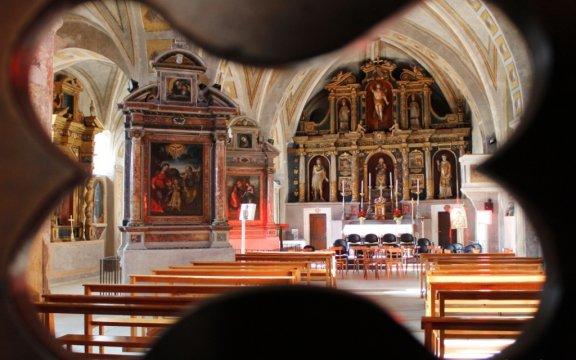 Castelvecchio-Calvisio-interno-chiesa-foto-Roberto-Castiglia