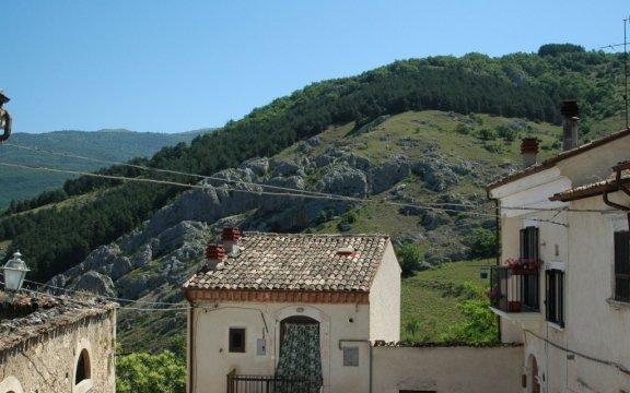 Castelvecchio-Subequo-paesaggi-foto-Giuseppe-Cera