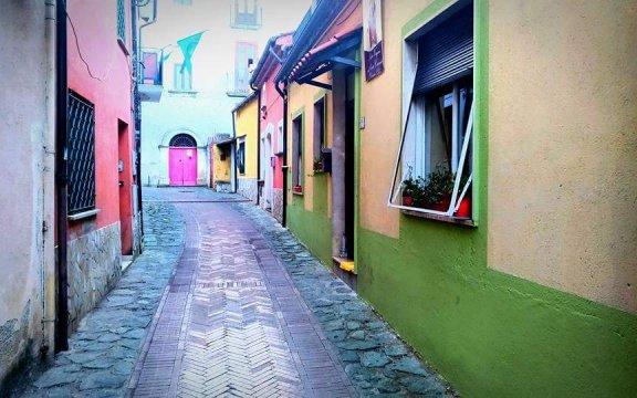 Cerisano-case-dipinte