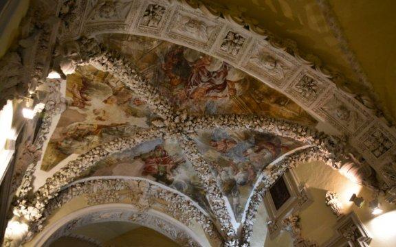Castelnuovo-della-Daunia-affreschi-Chiesa-della-Maddalena