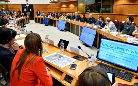 Citta-libere-dai-pesticidi-Parlamento-Europeo-incontro