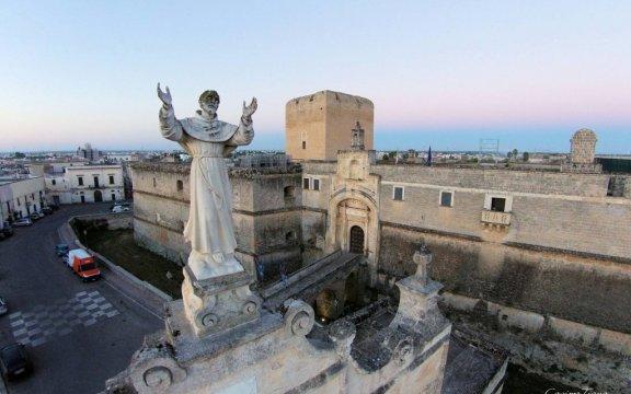 Statua-San-Giuseppe-da-Copertino