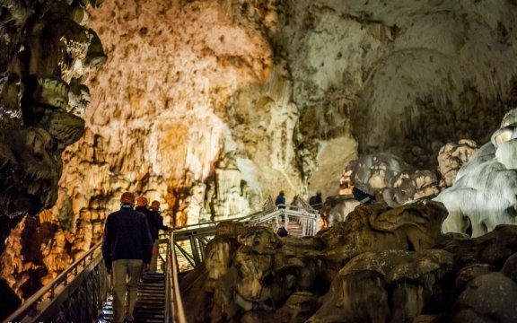 Fossato di Vico-grotta-Monte Cucco-pg. Mauro Barbacci