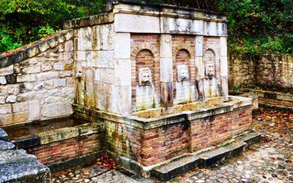 Lettopalena_fontana_storica