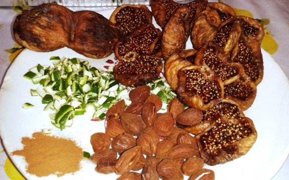 fichi-cucchiati-Maruggio-TA-comunita-del-cibo-buono-e-autentico