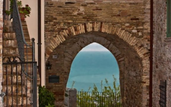 Montepagano-Porta da Sole-foto-Giulia-Matriccian