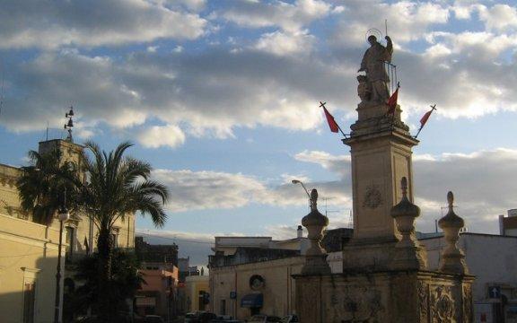 Monumento di San Lorenzo Lizzanello di Lupiae - Wikimedia