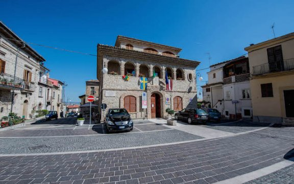 Municipio di Perano, foto da sangroaventinoturismo.it