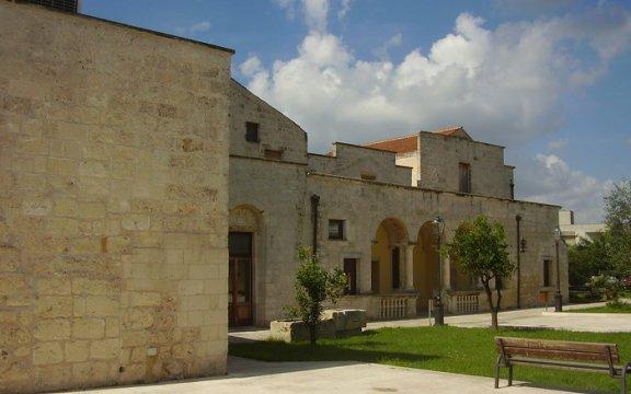 Palazzo Baronale San Cassiano di Lupiae – Wikimedia