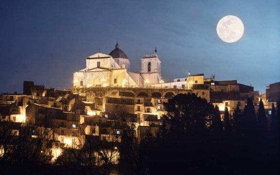 Petralia-Sottana-panorama-notturno-foto-Tommaso-Di-Prima