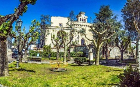Castello-Normanno-Svevo-Rende-veduta-villa-comunale
