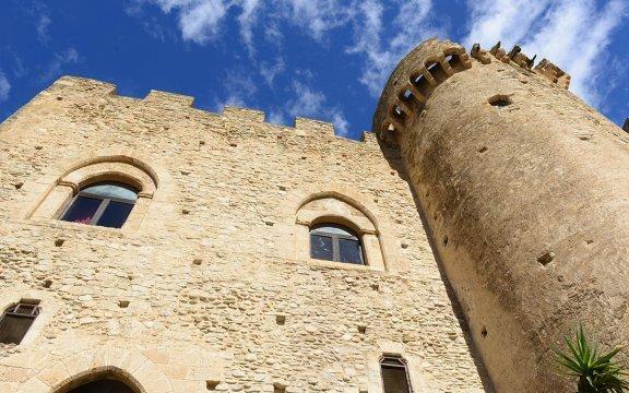 Roseto Capo Spulico-Castrum Petrae Roseti