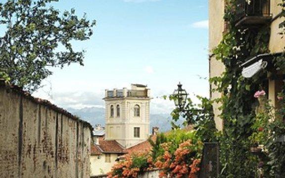 Saluzzo vicolo vicino Piazza Castello