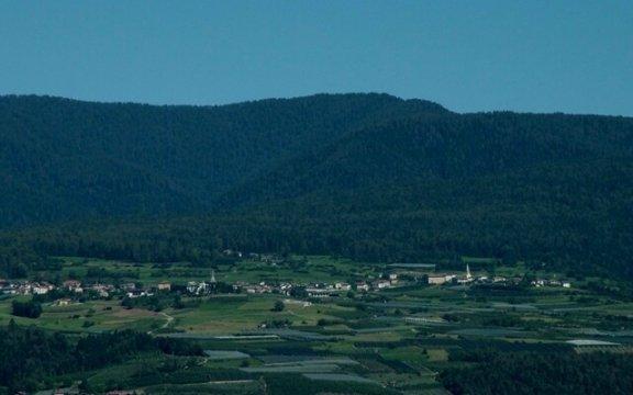 sfruz trento panorama montagne nuovo borgo autentico rete bai trentino