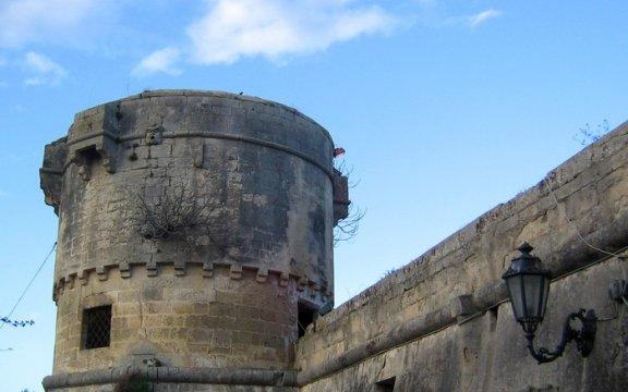 Torre di Lizzanello di Lupiae - Wikimedia