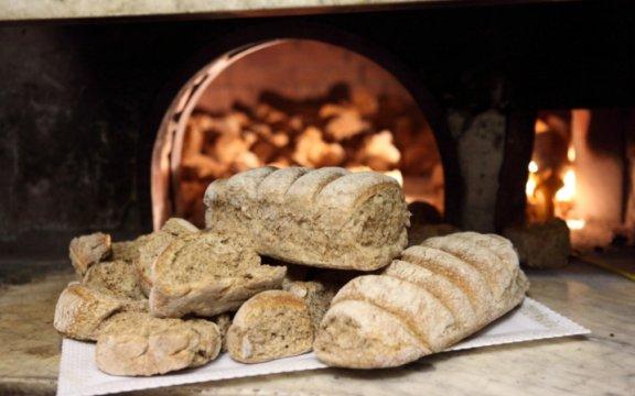 Tramonti-pane tipico