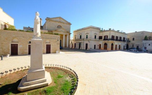 Ugento-piazza-san-vincenzo-foto-roberto-rocca