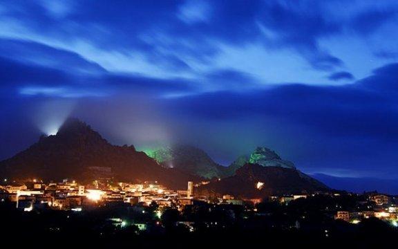 Aggius Panorama notturno