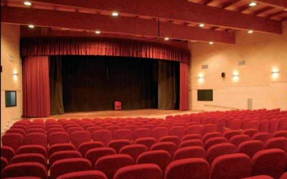 teatro-comunale-domenico-modugno-aradeo