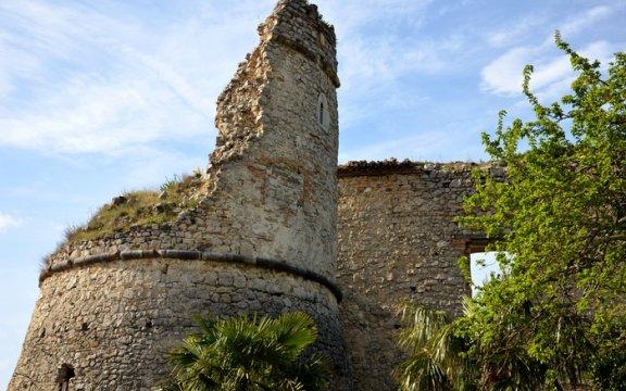Archi-resti-castello medevale