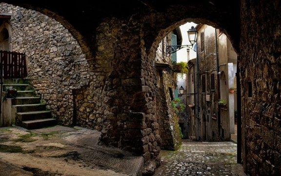 centro-storico-borgo-autentico-bassiano