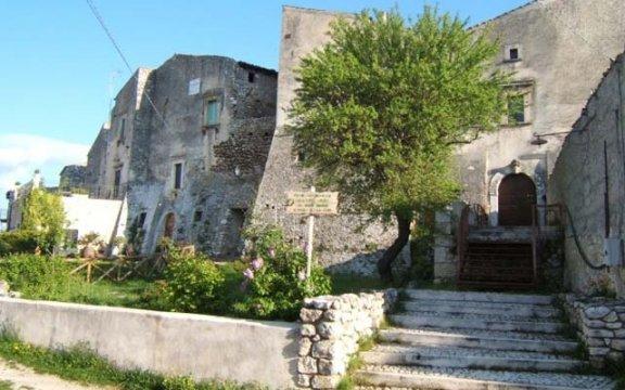 Castalvecchio Calvisio