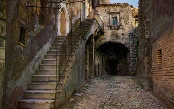 Campo_di_Giove_centro_storico