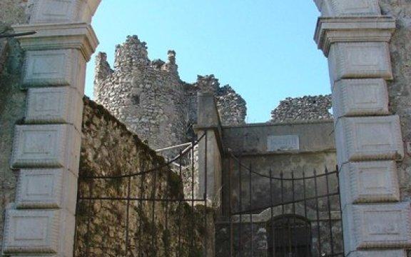 Casalbuono_castello_baronale